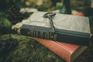 Books Moss Ancient Key